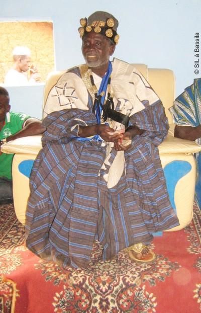 Seine Majestät ABITI ISSA Aboudou auf seinem Thron